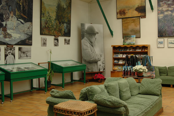 Giverny Interior