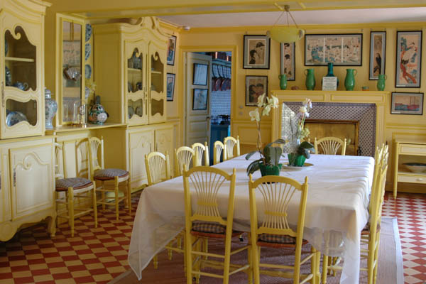 Giverny, Kitchen