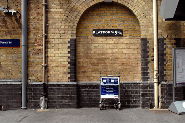 Harry Potter, Trolley at King's Cross 'disappearing' into the wall
