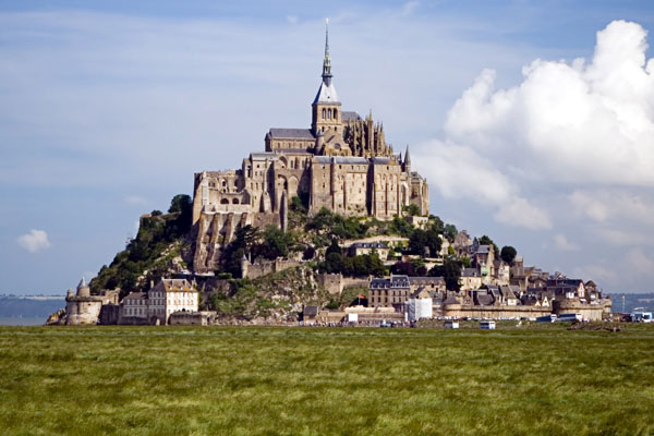 Mont St Michel tours from Paris